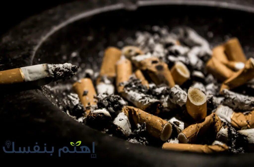 يزيد التدخين والكحوليات من تهييج والتهاب الحلق